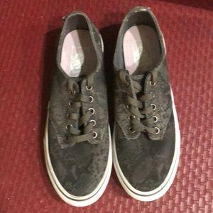 Vans canvas grey textured low tie ups size 7.5